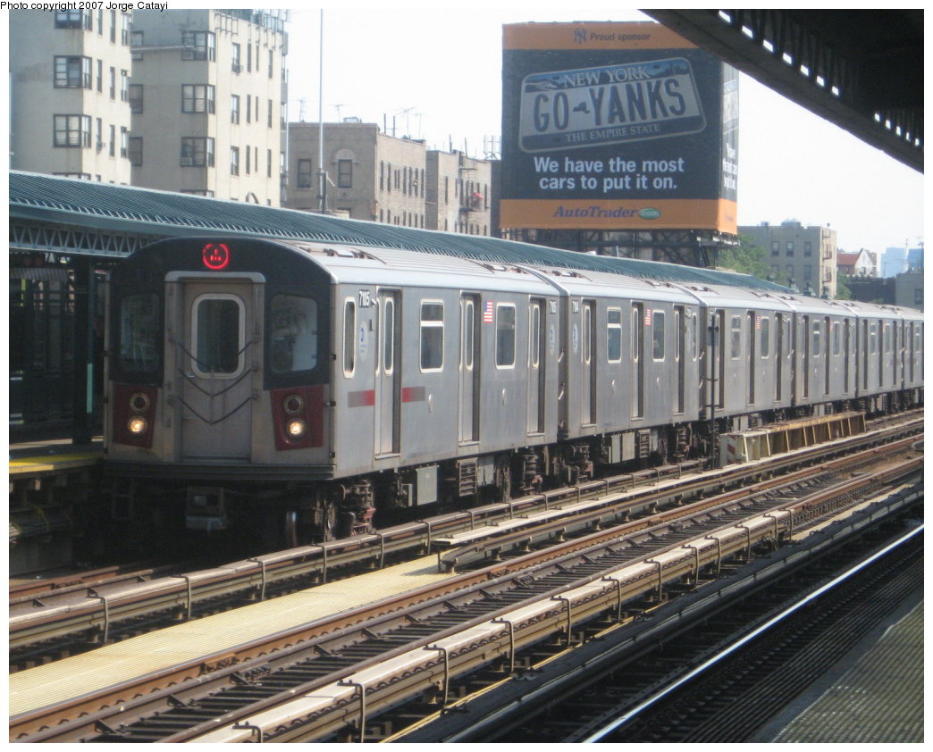 (198k, 1044x842)<br><b>Country:</b> United States<br><b>City:</b> New York<br><b>System:</b> New York City Transit<br><b>Line:</b> IRT Woodlawn Line<br><b>Location:</b> 161st Street/River Avenue (Yankee Stadium) <br><b>Route:</b> 4<br><b>Car:</b> R-142 (Option Order, Bombardier, 2002-2003)  7105 <br><b>Photo by:</b> Jorge Catayi<br><b>Date:</b> 5/27/2007<br><b>Viewed (this week/total):</b> 0 / 2237