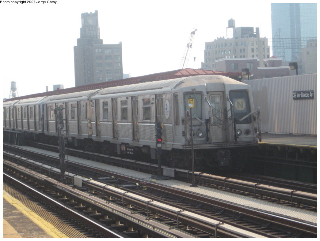 (140k, 1044x788)<br><b>Country:</b> United States<br><b>City:</b> New York<br><b>System:</b> New York City Transit<br><b>Line:</b> BMT Astoria Line<br><b>Location:</b> 39th/Beebe Aves. <br><b>Route:</b> N<br><b>Car:</b> R-40 (St. Louis, 1968)  4444 <br><b>Photo by:</b> Jorge Catayi<br><b>Date:</b> 5/27/2007<br><b>Viewed (this week/total):</b> 0 / 1498