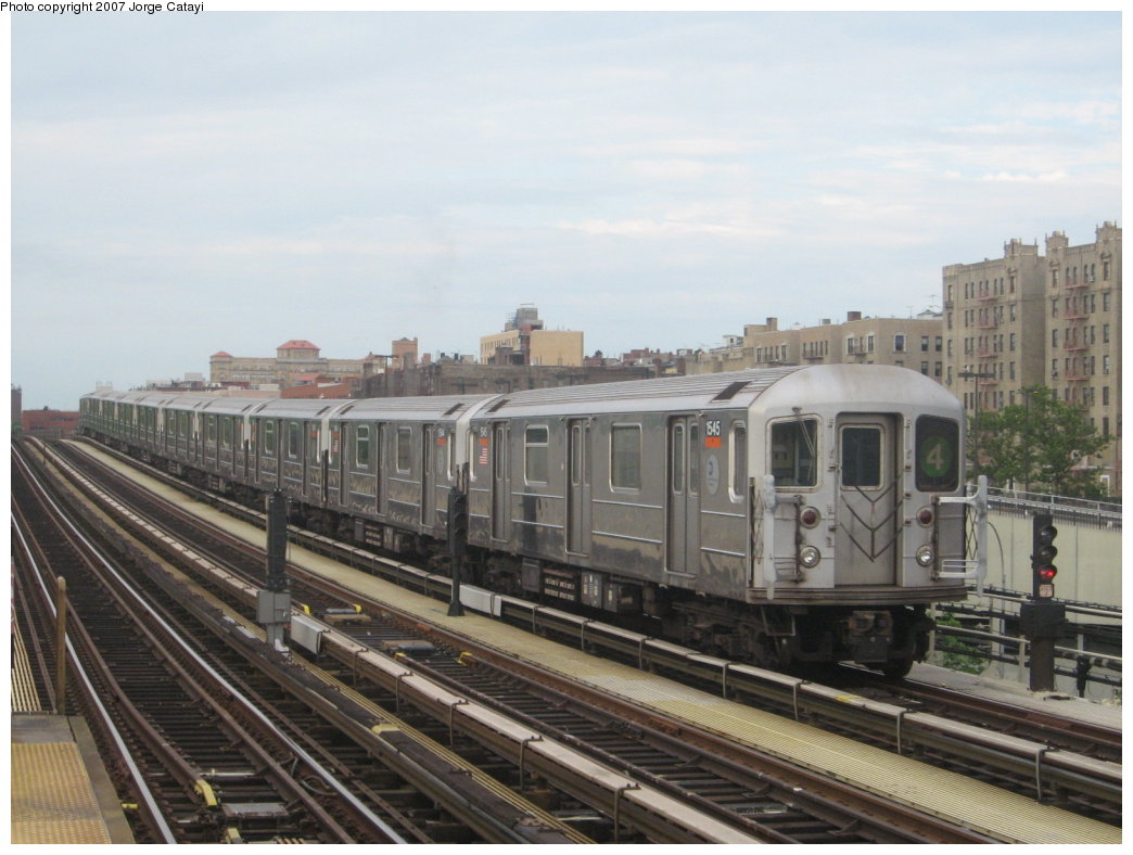 (150k, 1044x788)<br><b>Country:</b> United States<br><b>City:</b> New York<br><b>System:</b> New York City Transit<br><b>Line:</b> IRT Woodlawn Line<br><b>Location:</b> 161st Street/River Avenue (Yankee Stadium) <br><b>Route:</b> 4<br><b>Car:</b> R-62 (Kawasaki, 1983-1985)  1545 <br><b>Photo by:</b> Jorge Catayi<br><b>Date:</b> 6/10/2007<br><b>Viewed (this week/total):</b> 0 / 1351