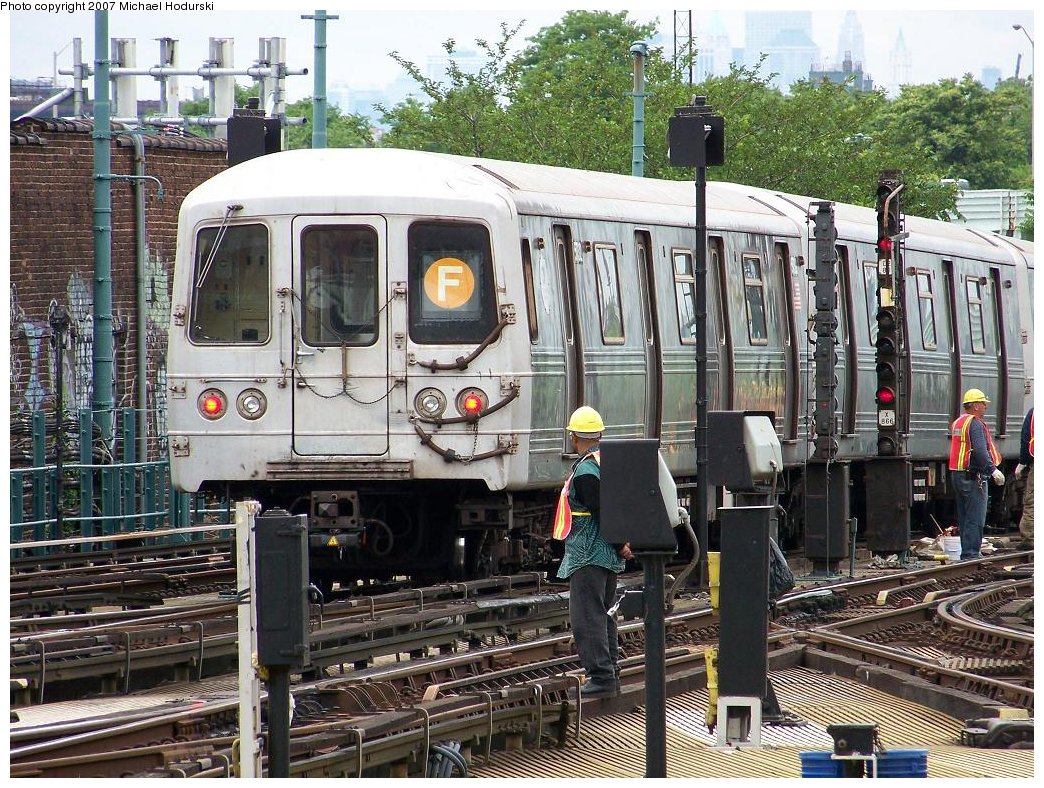 (283k, 1044x788)<br><b>Country:</b> United States<br><b>City:</b> New York<br><b>System:</b> New York City Transit<br><b>Location:</b> Coney Island/Stillwell Avenue<br><b>Route:</b> F<br><b>Car:</b> R-46 (Pullman-Standard, 1974-75) 5732 <br><b>Photo by:</b> Michael Hodurski<br><b>Date:</b> 6/14/2007<br><b>Viewed (this week/total):</b> 1 / 1779