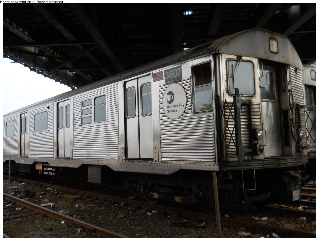 (264k, 1044x788)<br><b>Country:</b> United States<br><b>City:</b> New York<br><b>System:</b> New York City Transit<br><b>Location:</b> East New York Yard/Shops<br><b>Car:</b> R-32 (Budd, 1964)  3807 <br><b>Photo by:</b> Robert Mencher<br><b>Date:</b> 8/9/2010<br><b>Viewed (this week/total):</b> 2 / 453