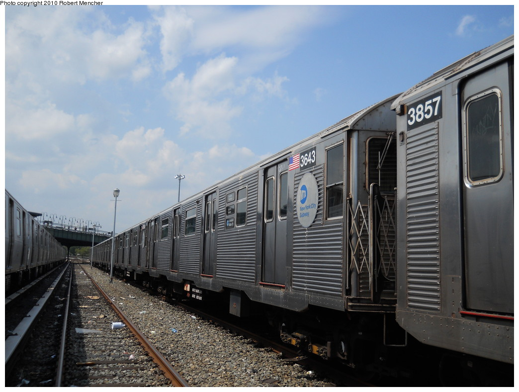 (257k, 1044x788)<br><b>Country:</b> United States<br><b>City:</b> New York<br><b>System:</b> New York City Transit<br><b>Location:</b> East New York Yard/Shops<br><b>Car:</b> R-32 (Budd, 1964)  3643 <br><b>Photo by:</b> Robert Mencher<br><b>Date:</b> 8/11/2010<br><b>Viewed (this week/total):</b> 0 / 178