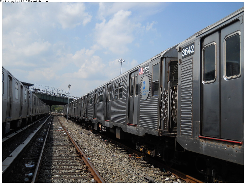 (267k, 1044x788)<br><b>Country:</b> United States<br><b>City:</b> New York<br><b>System:</b> New York City Transit<br><b>Location:</b> East New York Yard/Shops<br><b>Car:</b> R-32 (Budd, 1964)  3782 <br><b>Photo by:</b> Robert Mencher<br><b>Date:</b> 8/11/2010<br><b>Viewed (this week/total):</b> 2 / 420