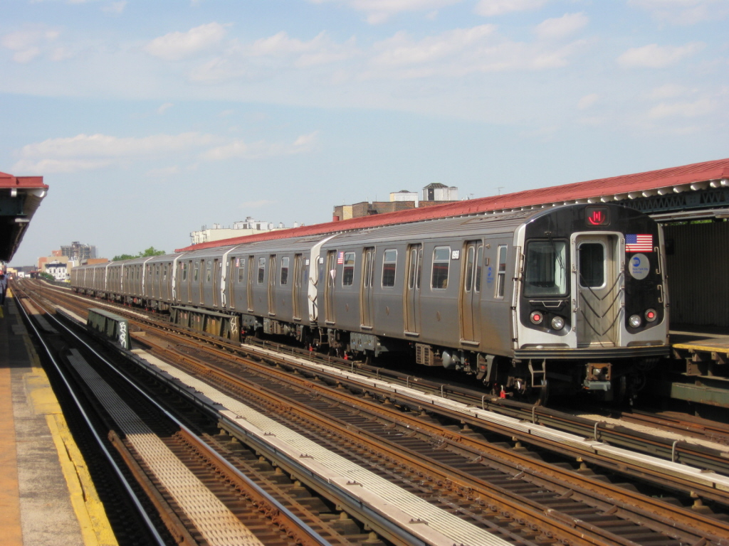 (366k, 1024x768)<br><b>Country:</b> United States<br><b>City:</b> New York<br><b>System:</b> New York City Transit<br><b>Line:</b> BMT Astoria Line<br><b>Location:</b> 39th/Beebe Aves. <br><b>Route:</b> N<br><b>Car:</b> R-160B (Kawasaki, 2005-2008)  8968 <br><b>Photo by:</b> Jorge Catayi<br><b>Date:</b> 5/25/2009<br><b>Viewed (this week/total):</b> 1 / 288