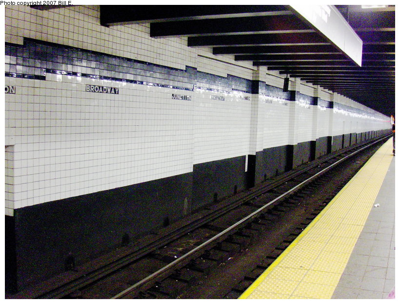 (151k, 820x622)<br><b>Country:</b> United States<br><b>City:</b> New York<br><b>System:</b> New York City Transit<br><b>Line:</b> IND Fulton Street Line<br><b>Location:</b> Broadway/East New York (Broadway Junction) <br><b>Photo by:</b> Bill E.<br><b>Date:</b> 6/24/2007<br><b>Viewed (this week/total):</b> 1 / 1255