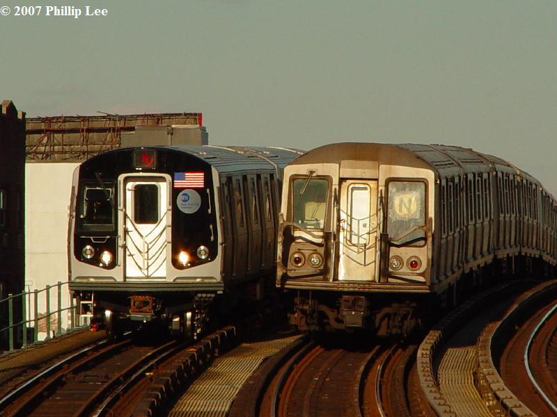 (72k, 800x600)<br><b>Country:</b> United States<br><b>City:</b> New York<br><b>System:</b> New York City Transit<br><b>Line:</b> BMT Astoria Line<br><b>Location:</b> 30th/Grand Aves. <br><b>Route:</b> N<br><b>Car:</b> R-160A/R-160B Series (Number Unknown)  <br><b>Photo by:</b> Phillip Lee<br><b>Date:</b> 2/7/2007<br><b>Viewed (this week/total):</b> 0 / 1979