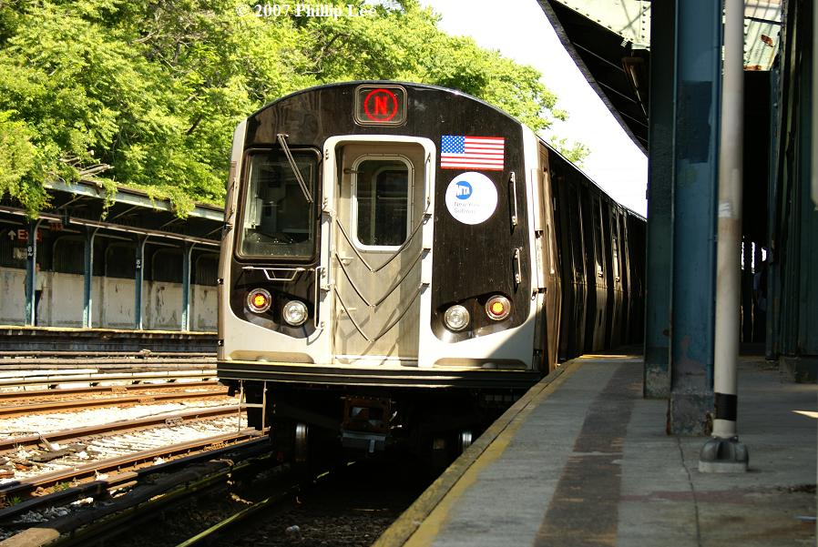 (151k, 898x601)<br><b>Country:</b> United States<br><b>City:</b> New York<br><b>System:</b> New York City Transit<br><b>Line:</b> BMT Sea Beach Line<br><b>Location:</b> 8th Avenue <br><b>Route:</b> N<br><b>Car:</b> R-160A/R-160B Series (Number Unknown)  <br><b>Photo by:</b> Phillip Lee<br><b>Date:</b> 6/7/2007<br><b>Viewed (this week/total):</b> 0 / 1514