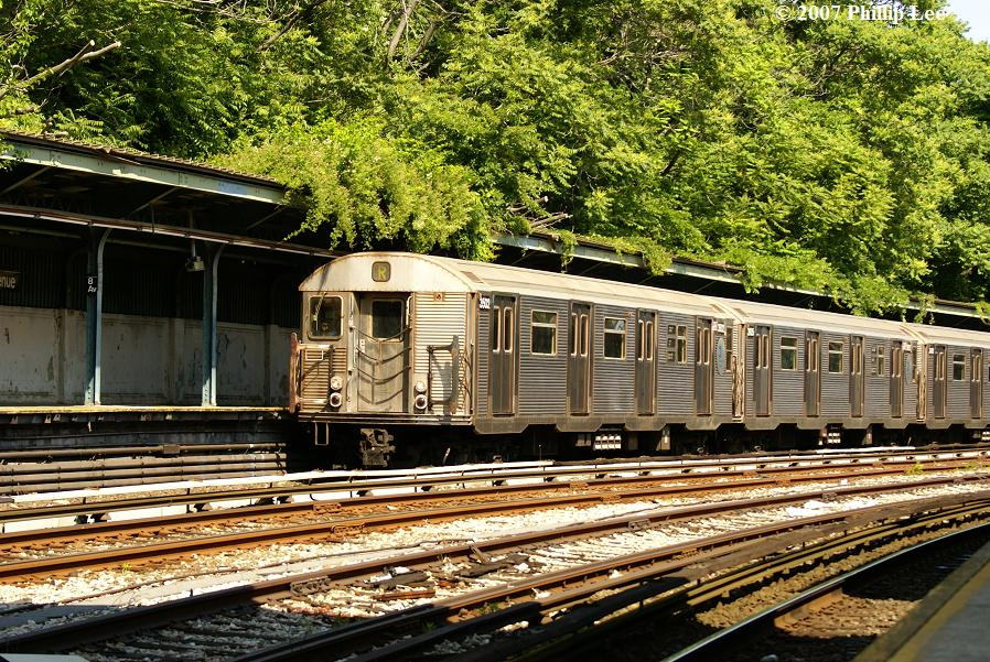 (210k, 898x601)<br><b>Country:</b> United States<br><b>City:</b> New York<br><b>System:</b> New York City Transit<br><b>Line:</b> BMT Sea Beach Line<br><b>Location:</b> 8th Avenue <br><b>Route:</b> R<br><b>Car:</b> R-32 (Budd, 1964)  3502 <br><b>Photo by:</b> Phillip Lee<br><b>Date:</b> 6/7/2007<br><b>Viewed (this week/total):</b> 6 / 1180