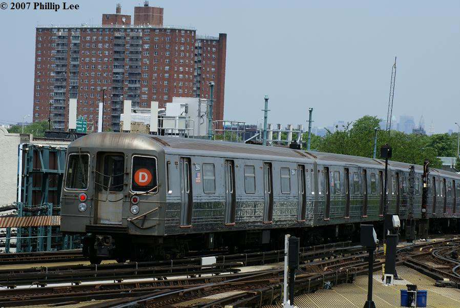(130k, 898x601)<br><b>Country:</b> United States<br><b>City:</b> New York<br><b>System:</b> New York City Transit<br><b>Location:</b> Coney Island/Stillwell Avenue<br><b>Route:</b> D<br><b>Car:</b> R-68 (Westinghouse-Amrail, 1986-1988)   <br><b>Photo by:</b> Phillip Lee<br><b>Date:</b> 6/7/2007<br><b>Viewed (this week/total):</b> 1 / 1481