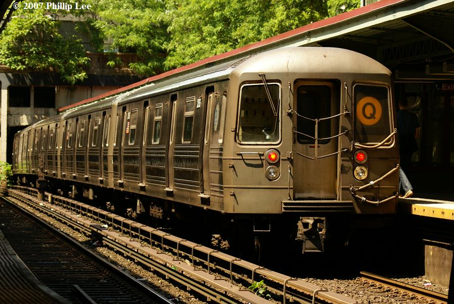 (152k, 898x601)<br><b>Country:</b> United States<br><b>City:</b> New York<br><b>System:</b> New York City Transit<br><b>Line:</b> BMT Brighton Line<br><b>Location:</b> Prospect Park <br><b>Route:</b> Q<br><b>Car:</b> R-68 (Westinghouse-Amrail, 1986-1988)   <br><b>Photo by:</b> Phillip Lee<br><b>Date:</b> 6/7/2007<br><b>Viewed (this week/total):</b> 2 / 1575