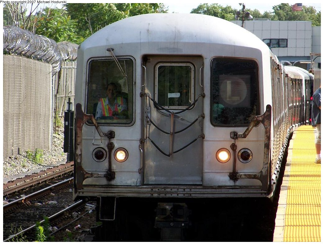 (215k, 1044x788)<br><b>Country:</b> United States<br><b>City:</b> New York<br><b>System:</b> New York City Transit<br><b>Line:</b> BMT Canarsie Line<br><b>Location:</b> East 105th Street <br><b>Route:</b> L<br><b>Car:</b> R-42 (St. Louis, 1969-1970)  4814 <br><b>Photo by:</b> Michael Hodurski<br><b>Date:</b> 6/22/2007<br><b>Viewed (this week/total):</b> 0 / 2281