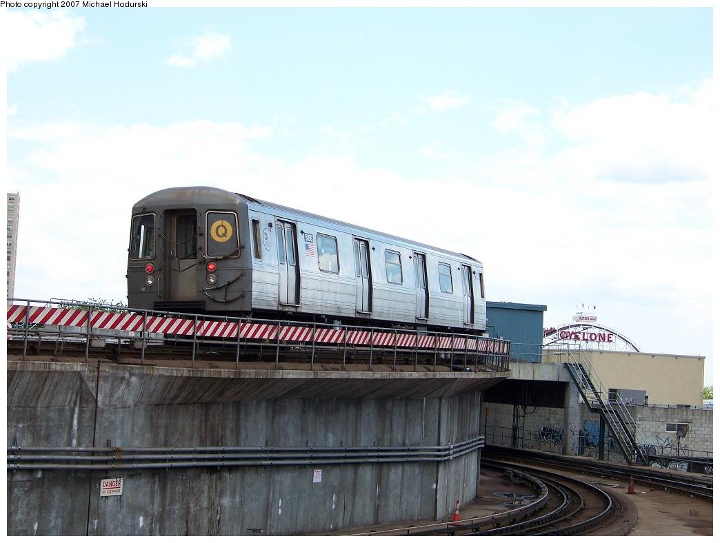 (150k, 1044x788)<br><b>Country:</b> United States<br><b>City:</b> New York<br><b>System:</b> New York City Transit<br><b>Location:</b> Coney Island/Stillwell Avenue<br><b>Route:</b> Q<br><b>Car:</b> R-68A (Kawasaki, 1988-1989)  5166 <br><b>Photo by:</b> Michael Hodurski<br><b>Date:</b> 6/22/2007<br><b>Viewed (this week/total):</b> 3 / 1403