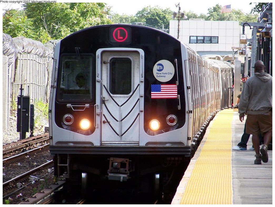 (238k, 1044x788)<br><b>Country:</b> United States<br><b>City:</b> New York<br><b>System:</b> New York City Transit<br><b>Line:</b> BMT Canarsie Line<br><b>Location:</b> East 105th Street <br><b>Route:</b> L<br><b>Car:</b> R-143 (Kawasaki, 2001-2002) 8117 <br><b>Photo by:</b> Michael Hodurski<br><b>Date:</b> 6/22/2007<br><b>Viewed (this week/total):</b> 0 / 3041
