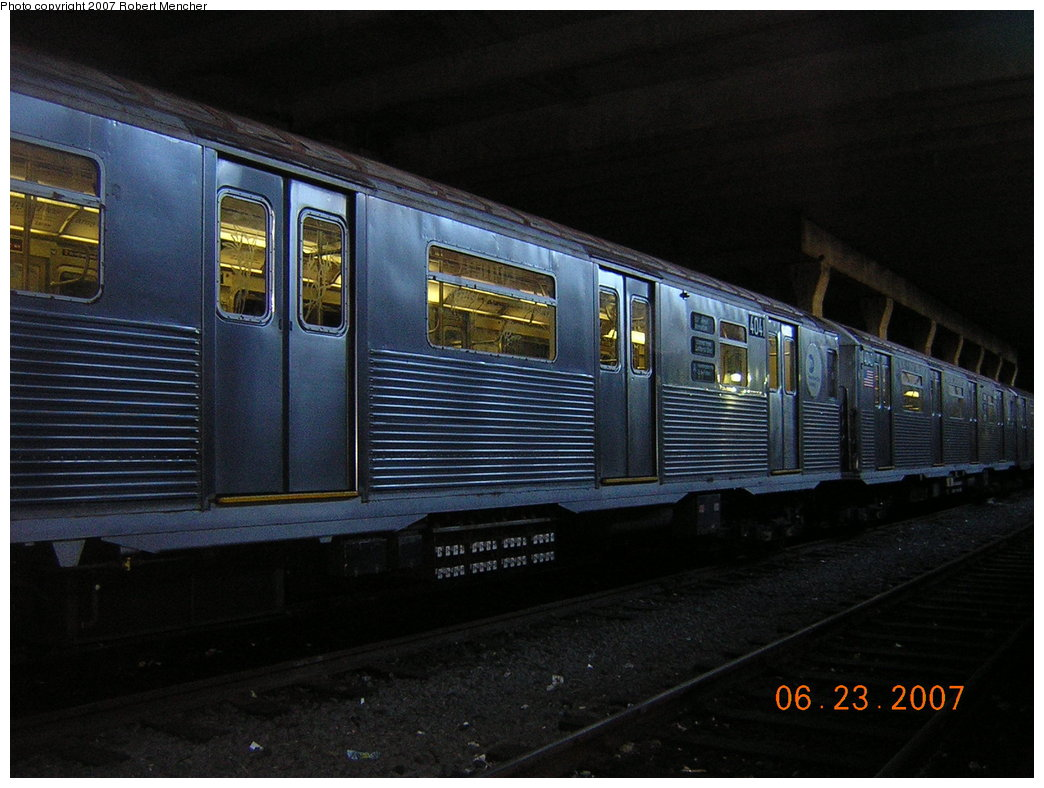(192k, 1044x788)<br><b>Country:</b> United States<br><b>City:</b> New York<br><b>System:</b> New York City Transit<br><b>Location:</b> Pitkin Yard/Shops<br><b>Car:</b> R-38 (St. Louis, 1966-1967)  4041 <br><b>Photo by:</b> Robert Mencher<br><b>Date:</b> 6/23/2007<br><b>Viewed (this week/total):</b> 0 / 1866