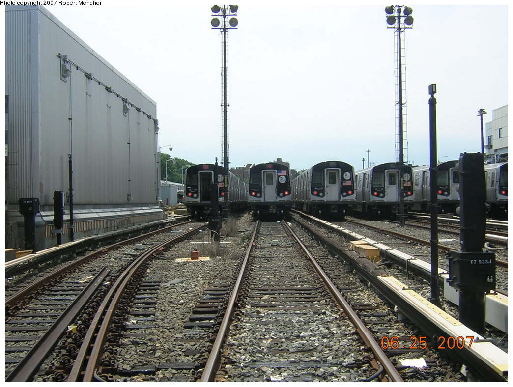 (237k, 1044x788)<br><b>Country:</b> United States<br><b>City:</b> New York<br><b>System:</b> New York City Transit<br><b>Location:</b> Rockaway Parkway (Canarsie) Yard<br><b>Car:</b> R-143 (Kawasaki, 2001-2002)  <br><b>Photo by:</b> Robert Mencher<br><b>Date:</b> 6/25/2007<br><b>Viewed (this week/total):</b> 1 / 1936