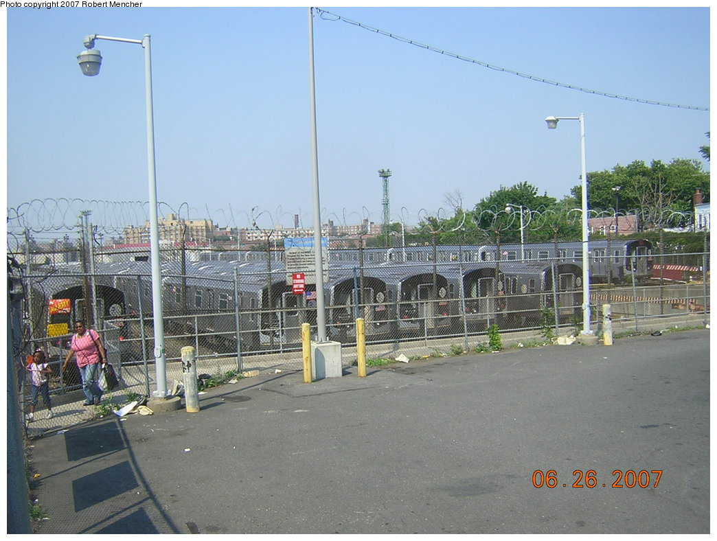 (215k, 1044x788)<br><b>Country:</b> United States<br><b>City:</b> New York<br><b>System:</b> New York City Transit<br><b>Location:</b> Rockaway Parkway (Canarsie) Yard<br><b>Car:</b> R-143 (Kawasaki, 2001-2002)  <br><b>Photo by:</b> Robert Mencher<br><b>Date:</b> 6/26/2007<br><b>Viewed (this week/total):</b> 2 / 2117