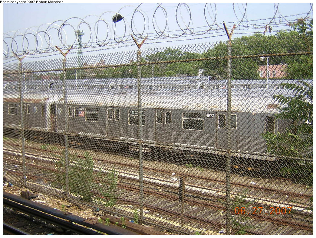 (395k, 1044x788)<br><b>Country:</b> United States<br><b>City:</b> New York<br><b>System:</b> New York City Transit<br><b>Location:</b> Rockaway Parkway (Canarsie) Yard<br><b>Car:</b> R-42 (St. Louis, 1969-1970)  4673 <br><b>Photo by:</b> Robert Mencher<br><b>Date:</b> 6/27/2007<br><b>Viewed (this week/total):</b> 1 / 1669