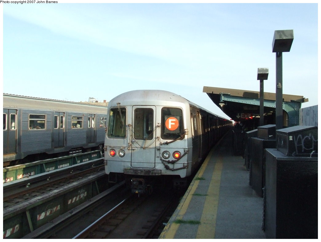 (129k, 1044x788)<br><b>Country:</b> United States<br><b>City:</b> New York<br><b>System:</b> New York City Transit<br><b>Line:</b> BMT Culver Line<br><b>Location:</b> Ditmas Avenue <br><b>Route:</b> F<br><b>Car:</b> R-46 (Pullman-Standard, 1974-75) 5492 <br><b>Photo by:</b> John Barnes<br><b>Date:</b> 6/24/2007<br><b>Viewed (this week/total):</b> 0 / 1635