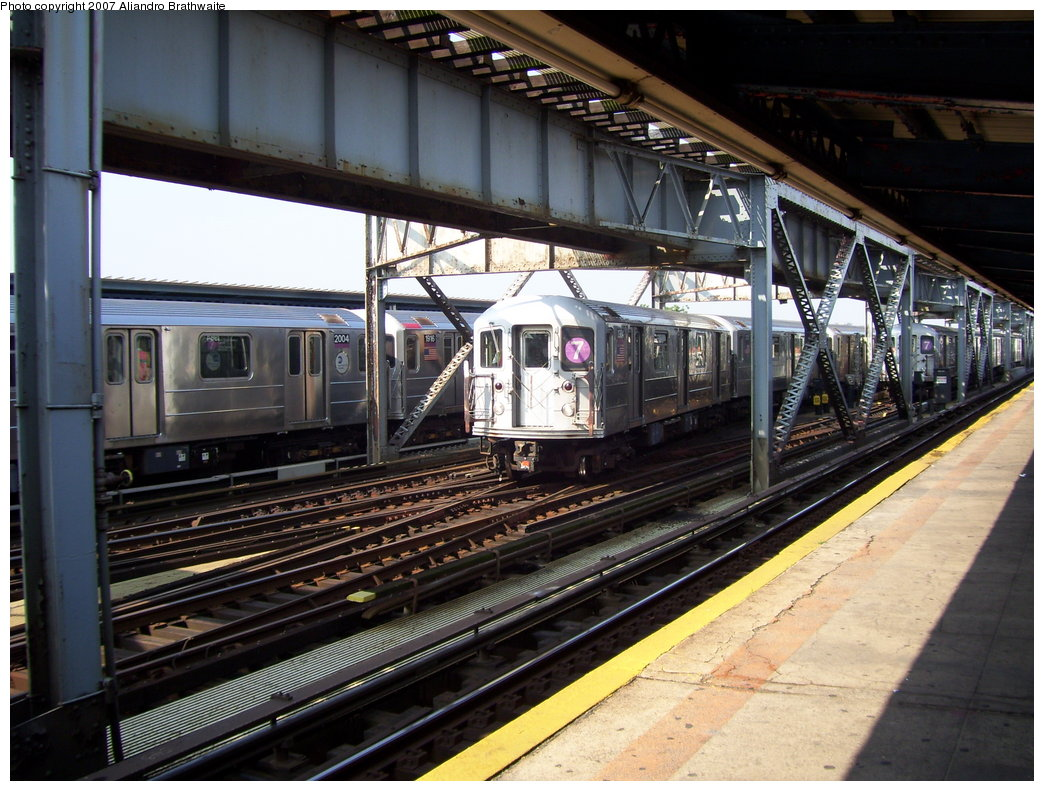 (216k, 1044x791)<br><b>Country:</b> United States<br><b>City:</b> New York<br><b>System:</b> New York City Transit<br><b>Line:</b> IRT Flushing Line<br><b>Location:</b> 111th Street <br><b>Route:</b> 7<br><b>Car:</b> R-62A (Bombardier, 1984-1987)  2004/1976/2155 <br><b>Photo by:</b> Aliandro Brathwaite<br><b>Date:</b> 6/28/2007<br><b>Viewed (this week/total):</b> 0 / 2933