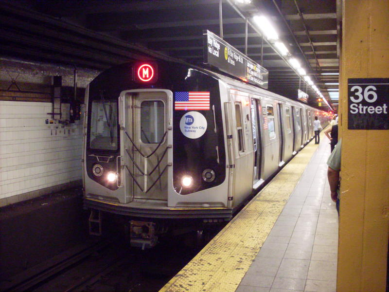 (77k, 800x600)<br><b>Country:</b> United States<br><b>City:</b> New York<br><b>System:</b> New York City Transit<br><b>Line:</b> BMT 4th Avenue<br><b>Location:</b> 36th Street <br><b>Route:</b> M<br><b>Car:</b> R-160A-1 (Alstom, 2005-2008, 4 car sets)  8520 <br><b>Photo by:</b> Anthony Modesto<br><b>Date:</b> 6/25/2010<br><b>Viewed (this week/total):</b> 0 / 578