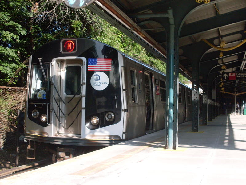 (89k, 800x600)<br><b>Country:</b> United States<br><b>City:</b> New York<br><b>System:</b> New York City Transit<br><b>Line:</b> BMT West End Line<br><b>Location:</b> 9th Avenue <br><b>Route:</b> M<br><b>Car:</b> R-160A-1 (Alstom, 2005-2008, 4 car sets)  8641 <br><b>Photo by:</b> Anthony Modesto<br><b>Date:</b> 6/25/2010<br><b>Viewed (this week/total):</b> 5 / 964