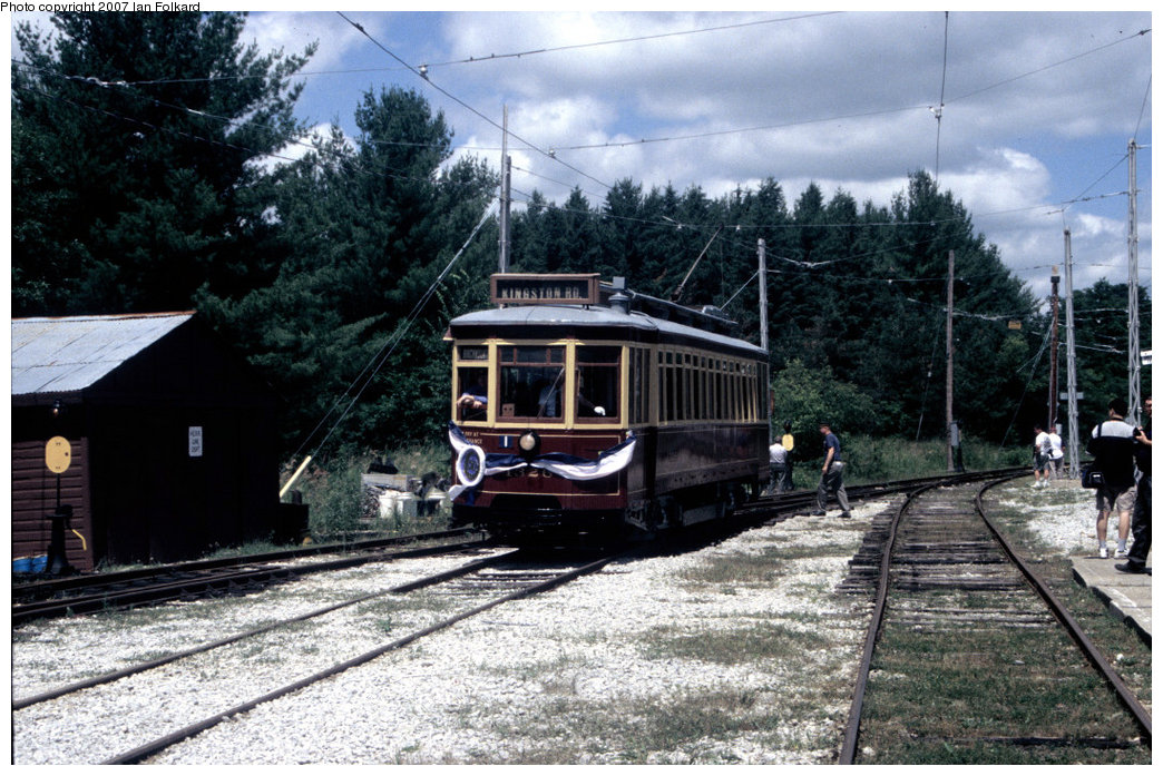(252k, 1044x697)<br><b>Country:</b> Canada<br><b>City:</b> Toronto<br><b>System:</b> Halton County Radial Railway <br><b>Car:</b> TTC Streetcar 1326 <br><b>Photo by:</b> Ian Folkard<br><b>Date:</b> 7/10/2004<br><b>Notes:</b> Entering west end shops, running for the 50th anniversary celebrations of the museum's founding.<br><b>Viewed (this week/total):</b> 1 / 786