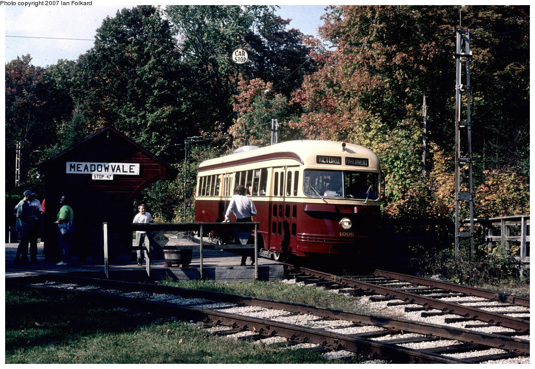 (333k, 1044x720)<br><b>Country:</b> Canada<br><b>City:</b> Toronto<br><b>System:</b> Halton County Radial Railway <br><b>Car:</b> PCC (TTC Toronto) 4000 <br><b>Photo by:</b> Ian Folkard<br><b>Date:</b> 10/2000<br><b>Notes:</b> East End loop.<br><b>Viewed (this week/total):</b> 0 / 1044
