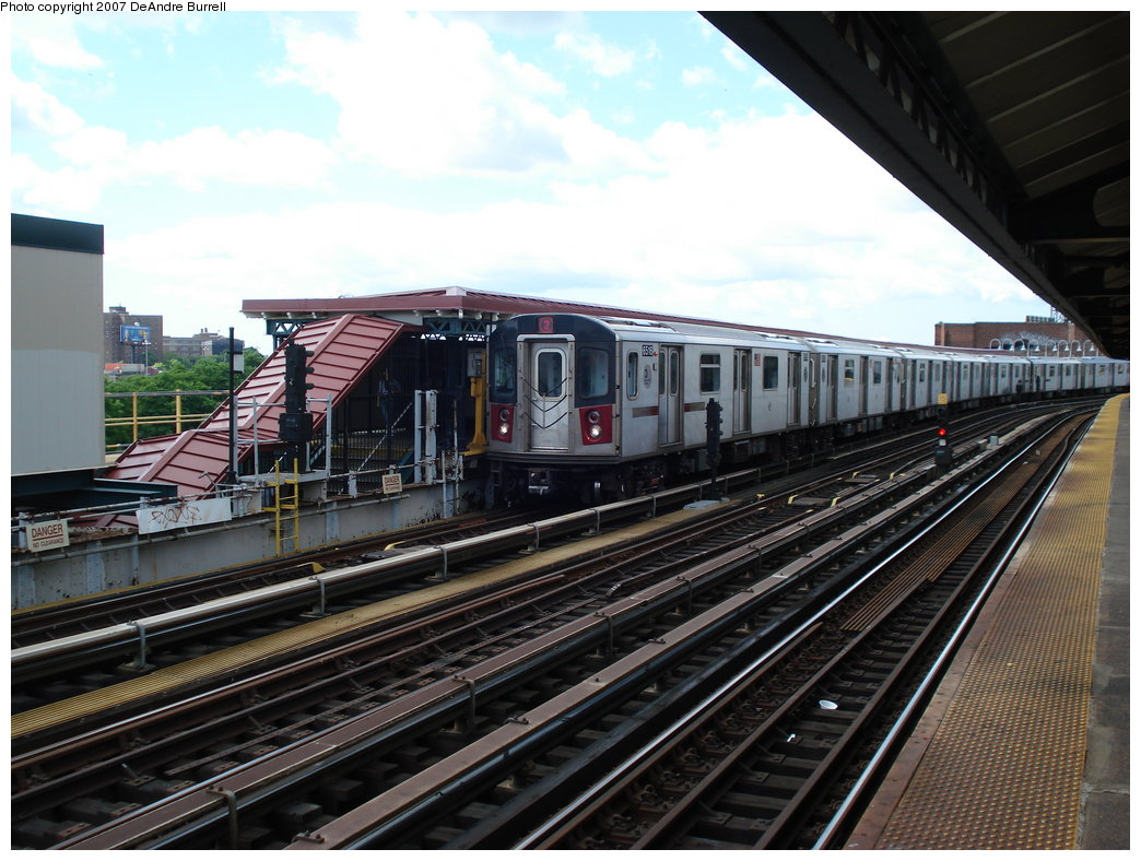 (197k, 1044x788)<br><b>Country:</b> United States<br><b>City:</b> New York<br><b>System:</b> New York City Transit<br><b>Line:</b> IRT White Plains Road Line<br><b>Location:</b> West Farms Sq./East Tremont Ave./177th St. <br><b>Route:</b> 2<br><b>Car:</b> R-142 (Primary Order, Bombardier, 1999-2002)  6516 <br><b>Photo by:</b> DeAndre Burrell<br><b>Date:</b> 6/23/2007<br><b>Viewed (this week/total):</b> 0 / 2495
