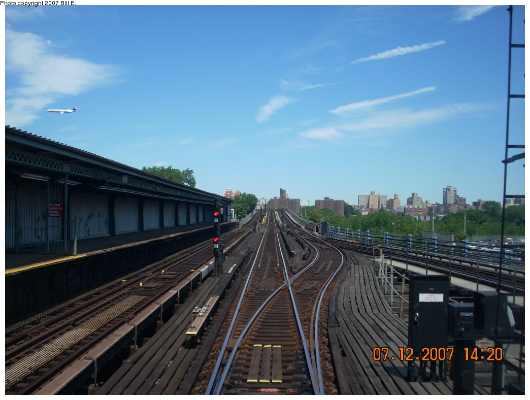 (181k, 1044x788)<br><b>Country:</b> United States<br><b>City:</b> New York<br><b>System:</b> New York City Transit<br><b>Line:</b> IRT Flushing Line<br><b>Location:</b> Willets Point/Mets (fmr. Shea Stadium) <br><b>Photo by:</b> Bill E.<br><b>Date:</b> 7/12/2007<br><b>Viewed (this week/total):</b> 0 / 1323