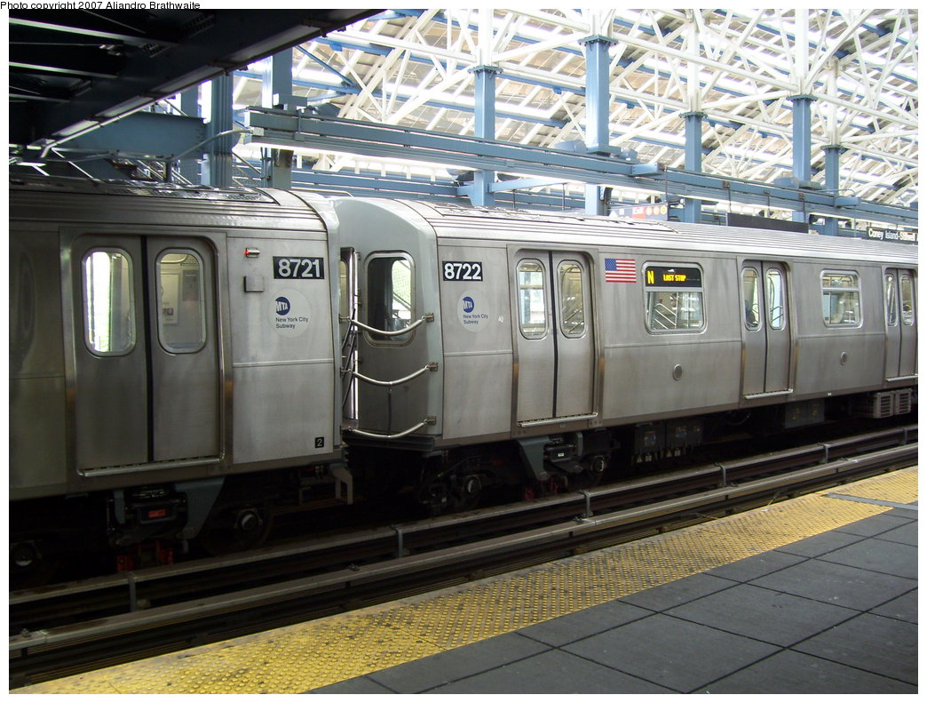 (218k, 1044x791)<br><b>Country:</b> United States<br><b>City:</b> New York<br><b>System:</b> New York City Transit<br><b>Location:</b> Coney Island/Stillwell Avenue<br><b>Route:</b> N<br><b>Car:</b> R-160B (Kawasaki, 2005-2008)  8721 <br><b>Photo by:</b> Aliandro Brathwaite<br><b>Date:</b> 7/5/2007<br><b>Viewed (this week/total):</b> 3 / 1755