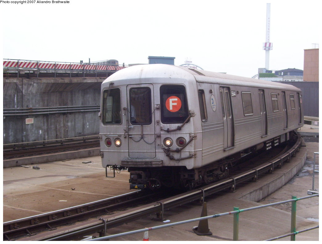 (151k, 1044x791)<br><b>Country:</b> United States<br><b>City:</b> New York<br><b>System:</b> New York City Transit<br><b>Location:</b> Coney Island/Stillwell Avenue<br><b>Route:</b> F<br><b>Car:</b> R-46 (Pullman-Standard, 1974-75) 5644 <br><b>Photo by:</b> Aliandro Brathwaite<br><b>Date:</b> 7/5/2007<br><b>Viewed (this week/total):</b> 7 / 1872