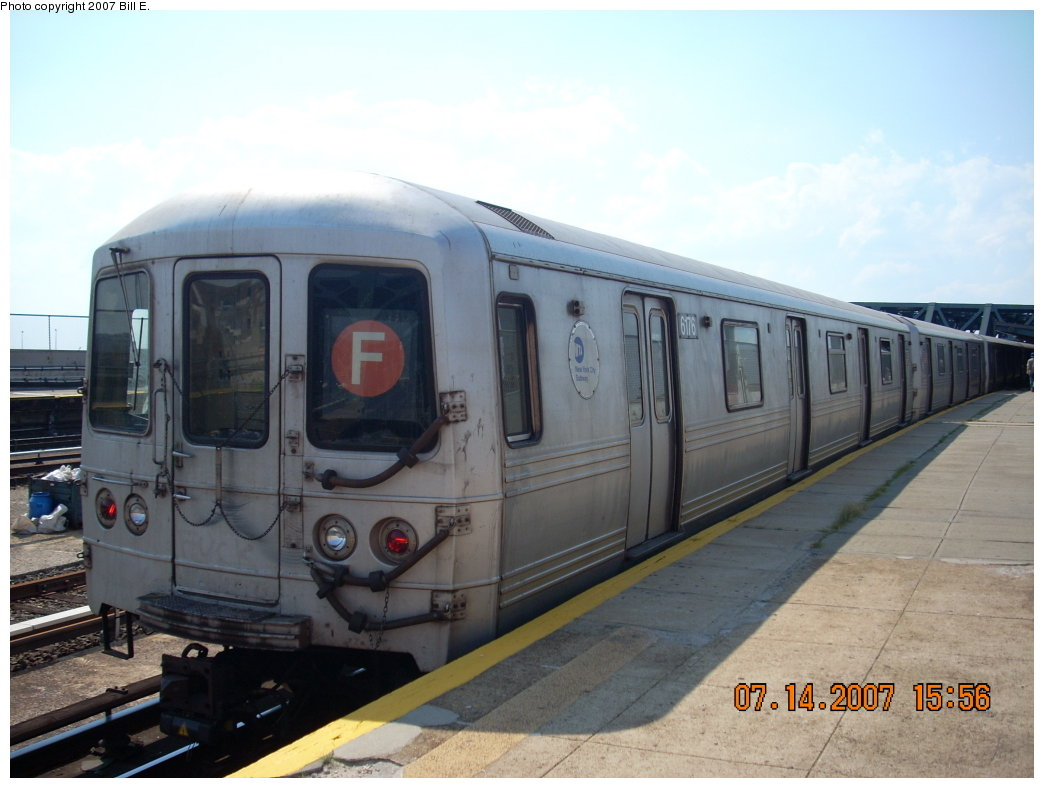 (167k, 1044x788)<br><b>Country:</b> United States<br><b>City:</b> New York<br><b>System:</b> New York City Transit<br><b>Line:</b> IND Crosstown Line<br><b>Location:</b> Smith/9th Street <br><b>Route:</b> F<br><b>Car:</b> R-46 (Pullman-Standard, 1974-75) 6176 <br><b>Photo by:</b> Bill E.<br><b>Date:</b> 7/14/2007<br><b>Viewed (this week/total):</b> 1 / 1789