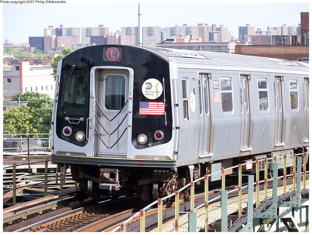 (251k, 1044x788)<br><b>Country:</b> United States<br><b>City:</b> New York<br><b>System:</b> New York City Transit<br><b>Line:</b> BMT Canarsie Line<br><b>Location:</b> Broadway Junction <br><b>Route:</b> L<br><b>Car:</b> R-143 (Kawasaki, 2001-2002) 8252 <br><b>Photo by:</b> Philip D'Allesandro<br><b>Date:</b> 7/20/2007<br><b>Viewed (this week/total):</b> 2 / 1735