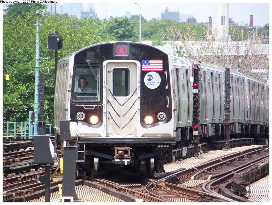 (263k, 1044x788)<br><b>Country:</b> United States<br><b>City:</b> New York<br><b>System:</b> New York City Transit<br><b>Location:</b> Coney Island/Stillwell Avenue<br><b>Route:</b> N<br><b>Car:</b> R-160B (Kawasaki, 2005-2008)  8723 <br><b>Photo by:</b> Philip D'Allesandro<br><b>Date:</b> 7/20/2007<br><b>Viewed (this week/total):</b> 2 / 1633