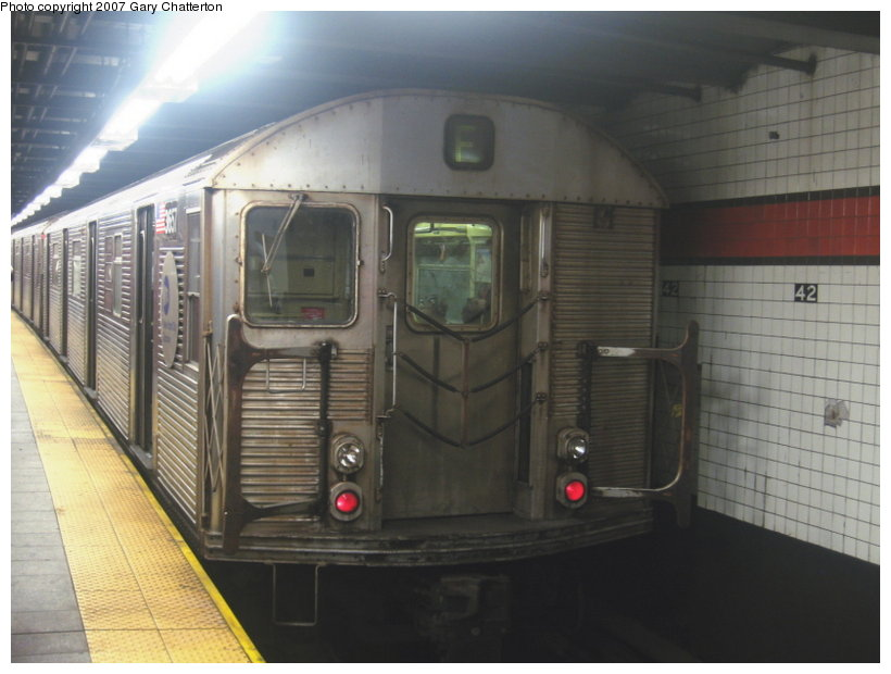 (89k, 820x620)<br><b>Country:</b> United States<br><b>City:</b> New York<br><b>System:</b> New York City Transit<br><b>Line:</b> IND 6th Avenue Line<br><b>Location:</b> 42nd Street/Bryant Park <br><b>Route:</b> F<br><b>Car:</b> R-32 (Budd, 1964)  3657 <br><b>Photo by:</b> Gary Chatterton<br><b>Date:</b> 7/13/2007<br><b>Viewed (this week/total):</b> 3 / 2182