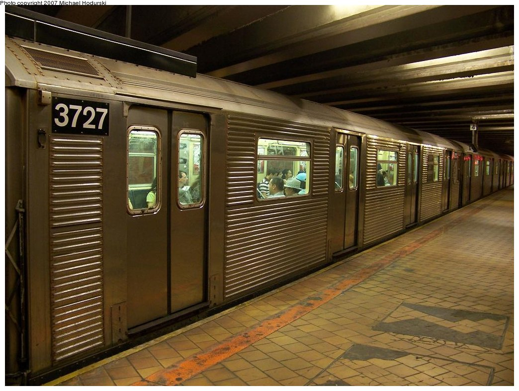 (199k, 1044x788)<br><b>Country:</b> United States<br><b>City:</b> New York<br><b>System:</b> New York City Transit<br><b>Line:</b> IND 63rd Street<br><b>Location:</b> 21st Street/Queensbridge <br><b>Route:</b> R<br><b>Car:</b> R-32 (Budd, 1964)  3727 <br><b>Photo by:</b> Michael Hodurski<br><b>Date:</b> 7/22/2007<br><b>Viewed (this week/total):</b> 0 / 2472
