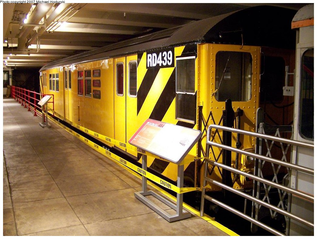 (204k, 1044x788)<br><b>Country:</b> United States<br><b>City:</b> New York<br><b>System:</b> New York City Transit<br><b>Location:</b> New York Transit Museum<br><b>Car:</b> R-161 Rider Car (ex-R-33)  RD439 (ex-8915)<br><b>Photo by:</b> Michael Hodurski<br><b>Date:</b> 7/19/2007<br><b>Viewed (this week/total):</b> 1 / 1853