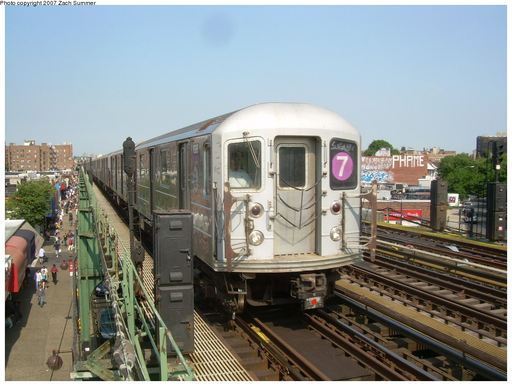 (227k, 1044x788)<br><b>Country:</b> United States<br><b>City:</b> New York<br><b>System:</b> New York City Transit<br><b>Line:</b> IRT Flushing Line<br><b>Location:</b> 90th Street/Elmhurst Avenue <br><b>Route:</b> 7<br><b>Car:</b> R-62A (Bombardier, 1984-1987)  1686 <br><b>Photo by:</b> Zach Summer<br><b>Date:</b> 6/18/2007<br><b>Viewed (this week/total):</b> 14 / 1465