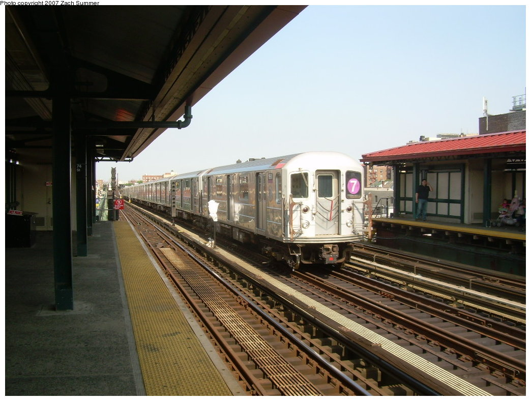 (212k, 1044x788)<br><b>Country:</b> United States<br><b>City:</b> New York<br><b>System:</b> New York City Transit<br><b>Line:</b> IRT Flushing Line<br><b>Location:</b> 74th Street/Broadway <br><b>Route:</b> 7<br><b>Car:</b> R-62A (Bombardier, 1984-1987)  1661 <br><b>Photo by:</b> Zach Summer<br><b>Date:</b> 6/18/2007<br><b>Viewed (this week/total):</b> 4 / 1519