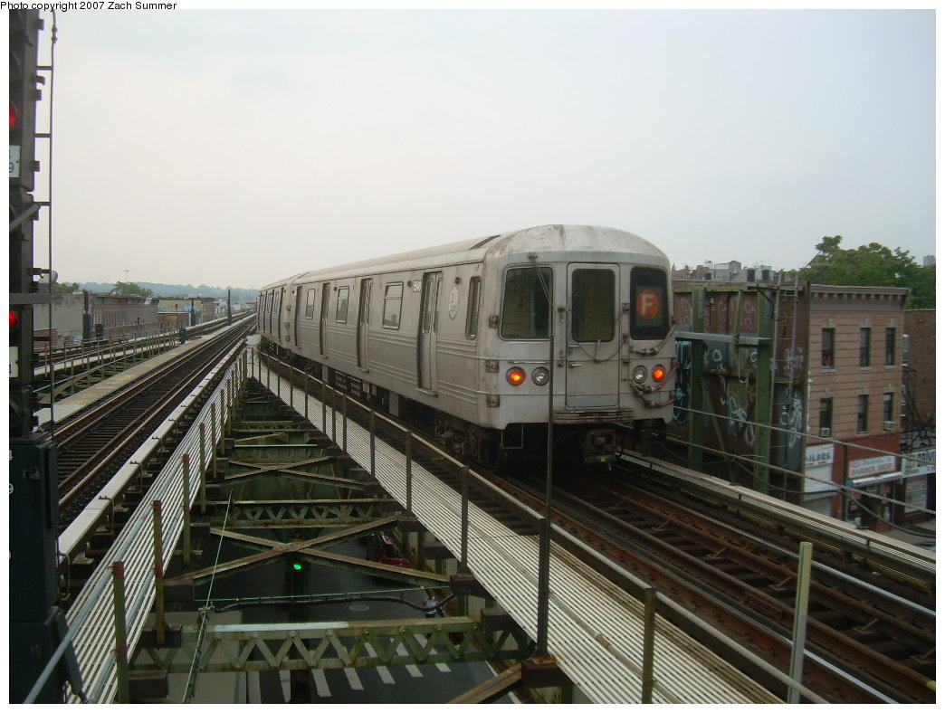 (200k, 1044x788)<br><b>Country:</b> United States<br><b>City:</b> New York<br><b>System:</b> New York City Transit<br><b>Line:</b> BMT Culver Line<br><b>Location:</b> 18th Avenue <br><b>Route:</b> F<br><b>Car:</b> R-46 (Pullman-Standard, 1974-75)  <br><b>Photo by:</b> Zach Summer<br><b>Date:</b> 7/18/2007<br><b>Viewed (this week/total):</b> 1 / 1522