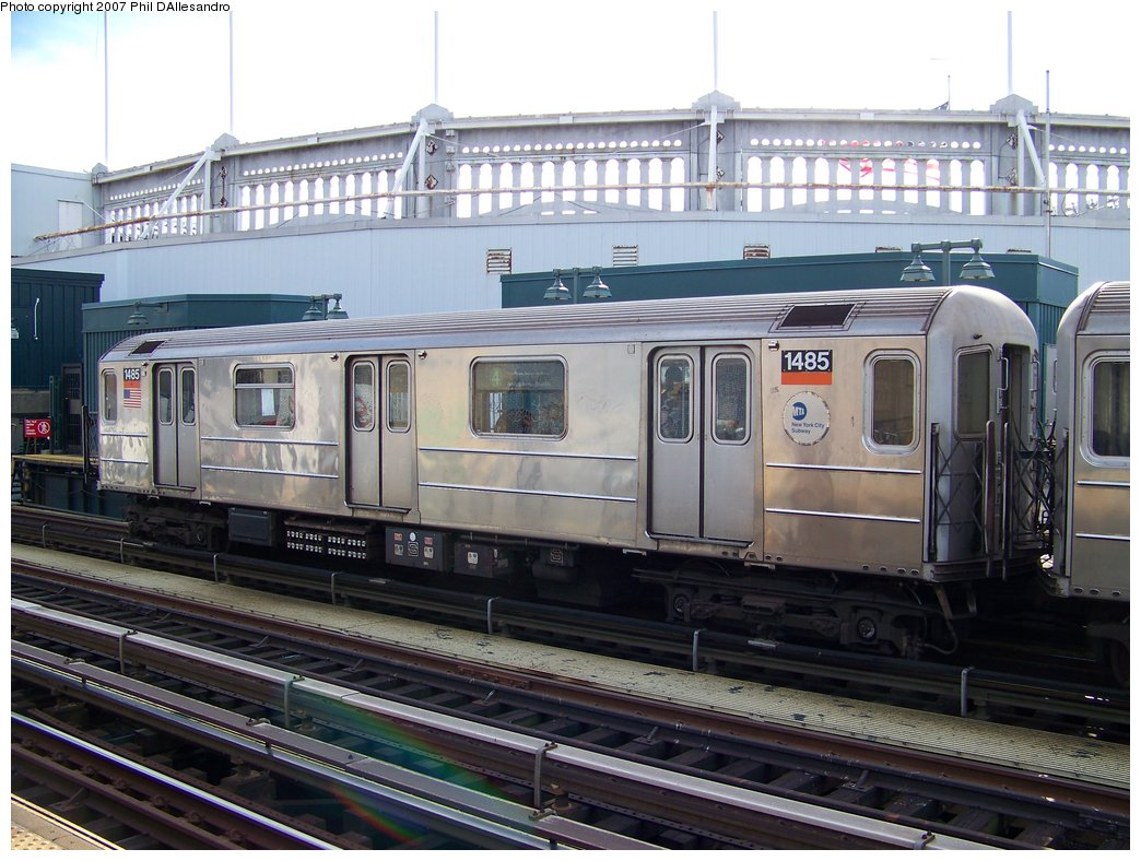 (191k, 1044x788)<br><b>Country:</b> United States<br><b>City:</b> New York<br><b>System:</b> New York City Transit<br><b>Line:</b> IRT Woodlawn Line<br><b>Location:</b> 161st Street/River Avenue (Yankee Stadium) <br><b>Route:</b> 4<br><b>Car:</b> R-62 (Kawasaki, 1983-1985)  1485 <br><b>Photo by:</b> Philip D'Allesandro<br><b>Date:</b> 7/21/2007<br><b>Viewed (this week/total):</b> 2 / 1937