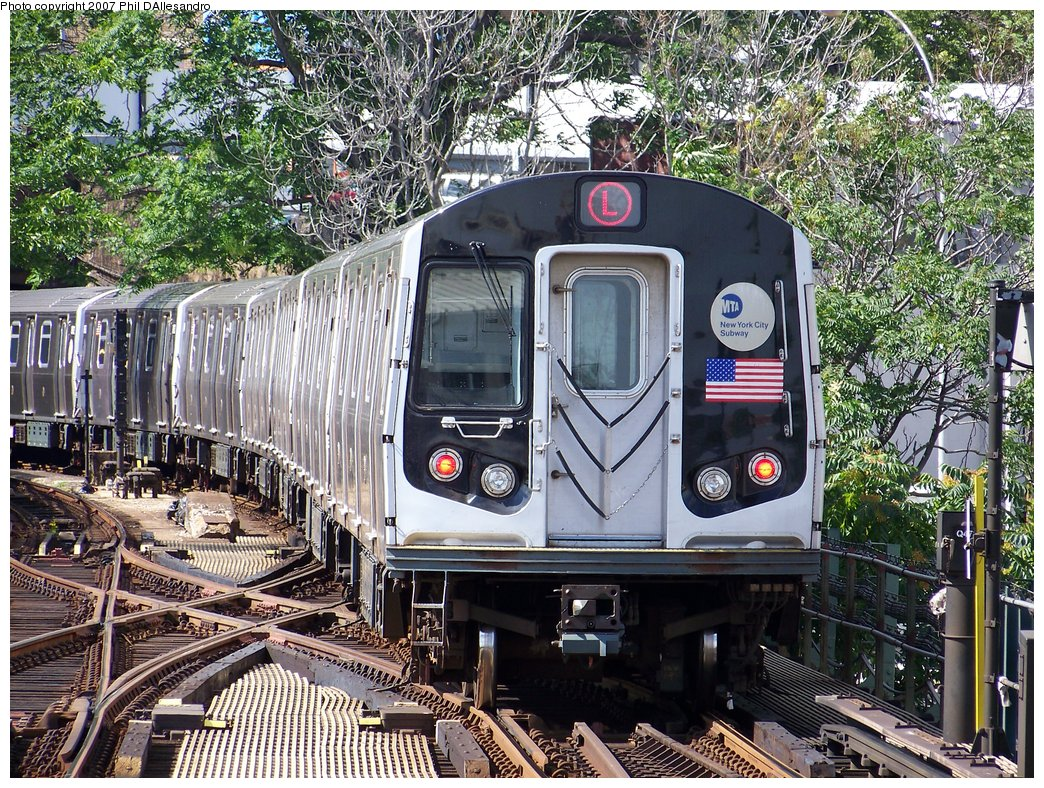 (349k, 1044x788)<br><b>Country:</b> United States<br><b>City:</b> New York<br><b>System:</b> New York City Transit<br><b>Line:</b> BMT Canarsie Line<br><b>Location:</b> Broadway Junction <br><b>Route:</b> L<br><b>Car:</b> R-143 (Kawasaki, 2001-2002)  <br><b>Photo by:</b> Philip D'Allesandro<br><b>Date:</b> 7/20/2007<br><b>Viewed (this week/total):</b> 4 / 2234