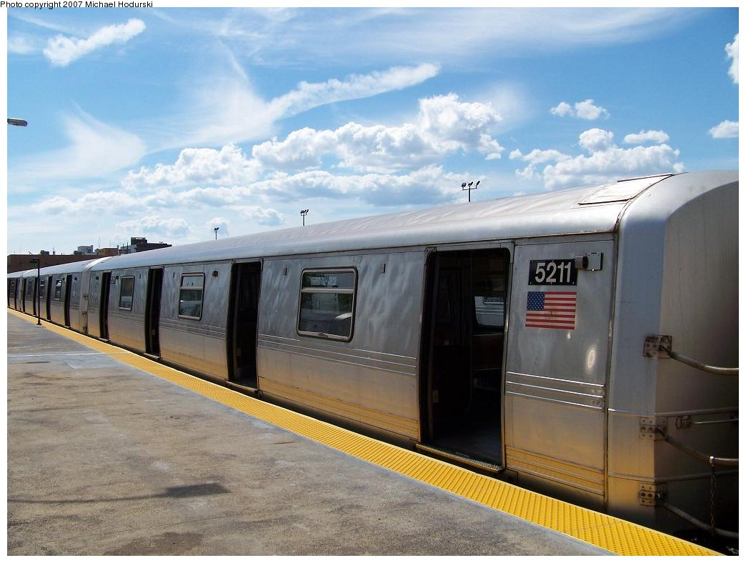 (160k, 1044x788)<br><b>Country:</b> United States<br><b>City:</b> New York<br><b>System:</b> New York City Transit<br><b>Line:</b> IND Rockaway<br><b>Location:</b> Rockaway Park/Beach 116th Street <br><b>Route:</b> A<br><b>Car:</b> R-44 (St. Louis, 1971-73) 5211 <br><b>Photo by:</b> Michael Hodurski<br><b>Date:</b> 7/22/2007<br><b>Viewed (this week/total):</b> 2 / 1364