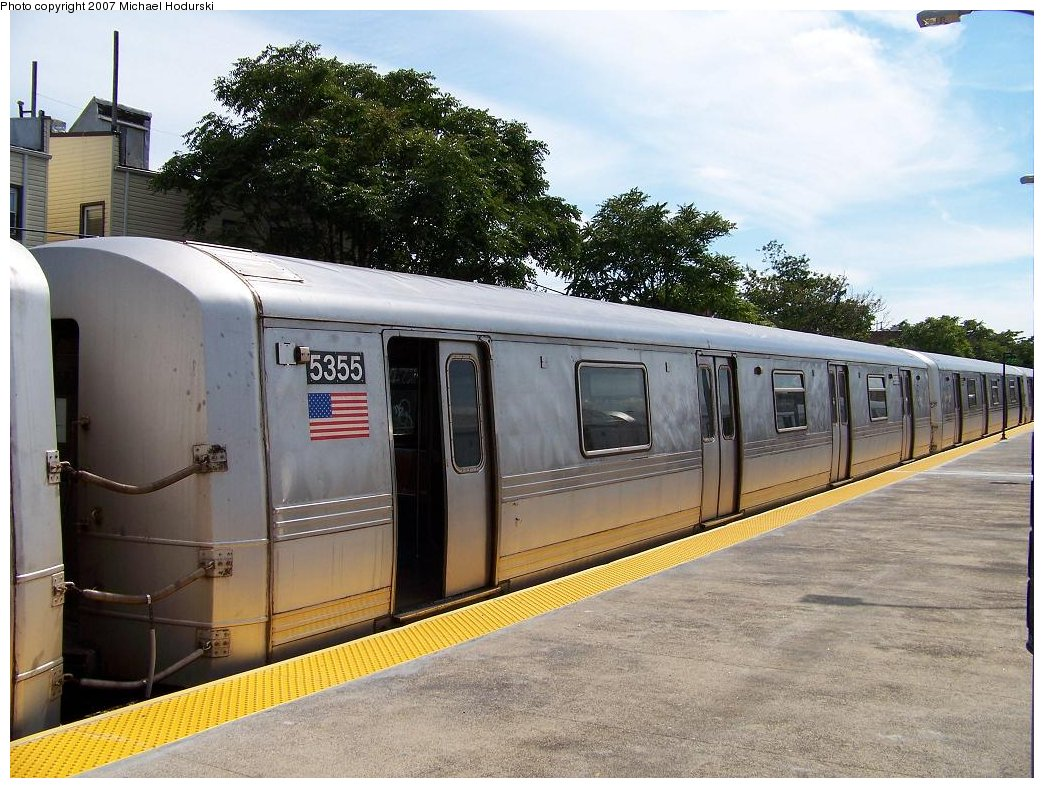 (208k, 1044x788)<br><b>Country:</b> United States<br><b>City:</b> New York<br><b>System:</b> New York City Transit<br><b>Line:</b> IND Rockaway<br><b>Location:</b> Rockaway Park/Beach 116th Street <br><b>Route:</b> A<br><b>Car:</b> R-44 (St. Louis, 1971-73) 5355 <br><b>Photo by:</b> Michael Hodurski<br><b>Date:</b> 7/22/2007<br><b>Viewed (this week/total):</b> 3 / 1802
