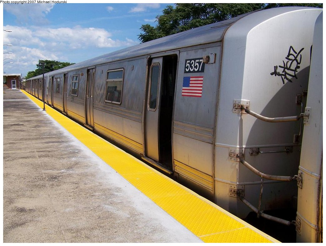 (198k, 1044x788)<br><b>Country:</b> United States<br><b>City:</b> New York<br><b>System:</b> New York City Transit<br><b>Line:</b> IND Rockaway<br><b>Location:</b> Rockaway Park/Beach 116th Street <br><b>Route:</b> A<br><b>Car:</b> R-44 (St. Louis, 1971-73) 5357 <br><b>Photo by:</b> Michael Hodurski<br><b>Date:</b> 7/22/2007<br><b>Viewed (this week/total):</b> 4 / 1668