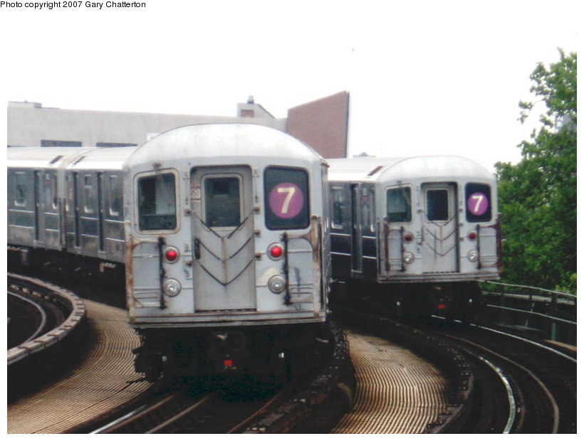 (85k, 820x620)<br><b>Country:</b> United States<br><b>City:</b> New York<br><b>System:</b> New York City Transit<br><b>Line:</b> IRT Flushing Line<br><b>Location:</b> 46th Street/Bliss Street <br><b>Route:</b> 7<br><b>Car:</b> R-62A (Bombardier, 1984-1987)  1810/1835 <br><b>Photo by:</b> Gary Chatterton<br><b>Date:</b> 7/5/2007<br><b>Viewed (this week/total):</b> 0 / 1999