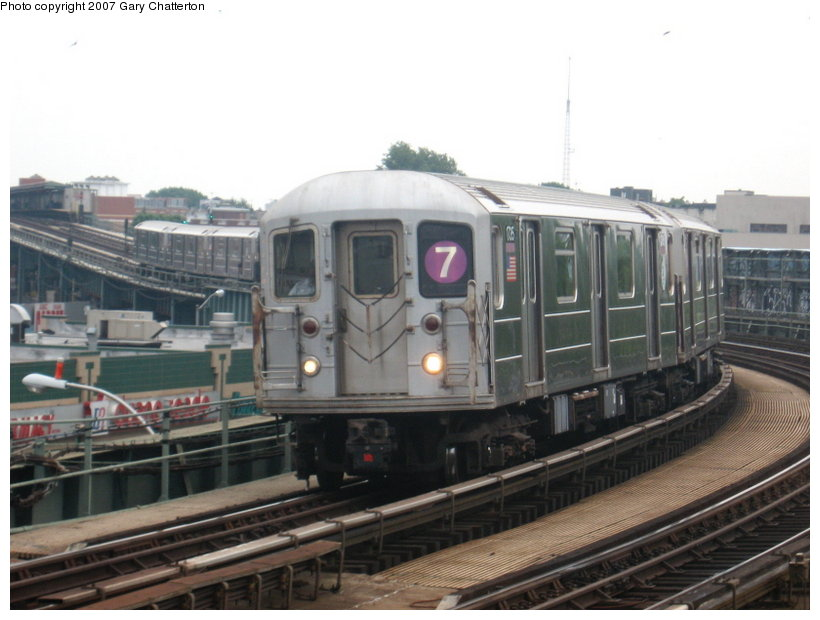 (94k, 820x620)<br><b>Country:</b> United States<br><b>City:</b> New York<br><b>System:</b> New York City Transit<br><b>Line:</b> IRT Flushing Line<br><b>Location:</b> 46th Street/Bliss Street <br><b>Route:</b> 7<br><b>Car:</b> R-62A (Bombardier, 1984-1987)  1735 <br><b>Photo by:</b> Gary Chatterton<br><b>Date:</b> 7/5/2007<br><b>Viewed (this week/total):</b> 0 / 925