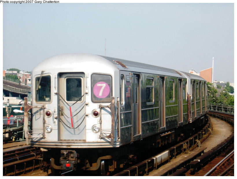 (99k, 820x620)<br><b>Country:</b> United States<br><b>City:</b> New York<br><b>System:</b> New York City Transit<br><b>Line:</b> IRT Flushing Line<br><b>Location:</b> 46th Street/Bliss Street <br><b>Route:</b> 7<br><b>Car:</b> R-62A (Bombardier, 1984-1987)  1666 <br><b>Photo by:</b> Gary Chatterton<br><b>Date:</b> 7/9/2007<br><b>Viewed (this week/total):</b> 1 / 1348