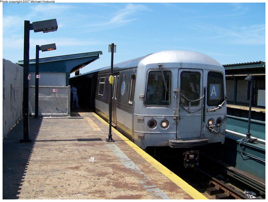 (197k, 1044x788)<br><b>Country:</b> United States<br><b>City:</b> New York<br><b>System:</b> New York City Transit<br><b>Line:</b> IND Fulton Street Line<br><b>Location:</b> Rockaway Boulevard <br><b>Route:</b> A<br><b>Car:</b> R-44 (St. Louis, 1971-73) 5318 <br><b>Photo by:</b> Michael Hodurski<br><b>Date:</b> 7/25/2007<br><b>Viewed (this week/total):</b> 4 / 1037