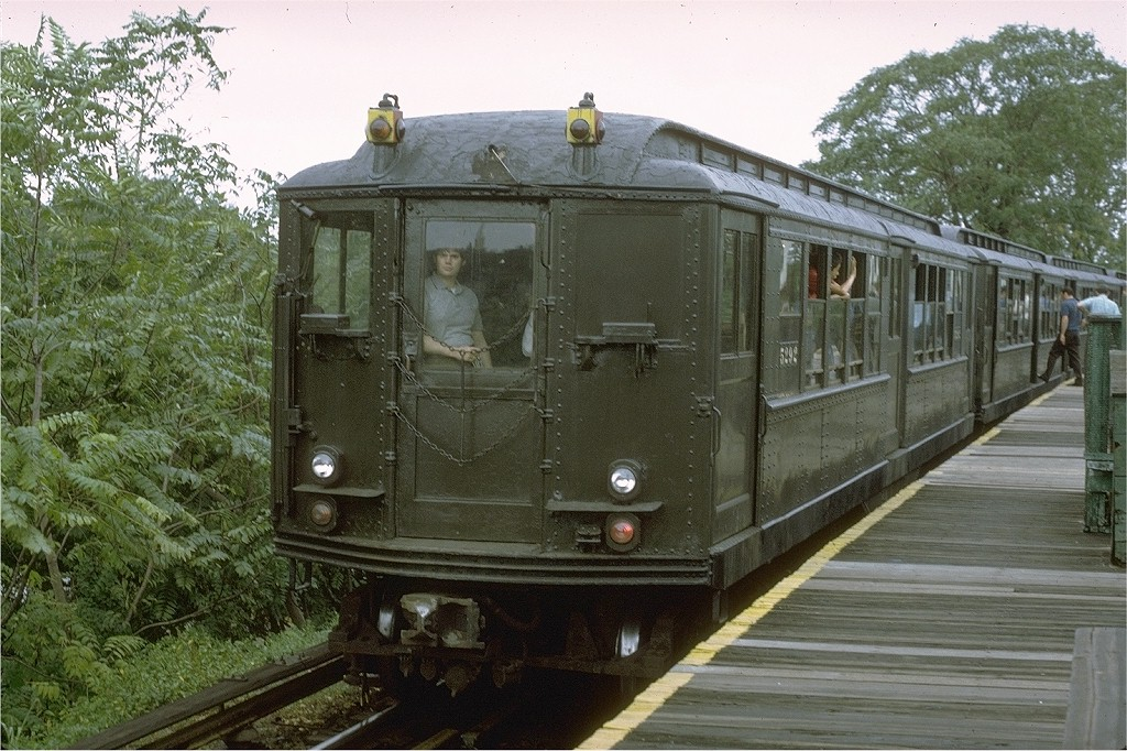 (237k, 1024x682)<br><b>Country:</b> United States<br><b>City:</b> New York<br><b>System:</b> New York City Transit<br><b>Line:</b> BMT Myrtle Avenue Line<br><b>Location:</b> Metropolitan Avenue <br><b>Route:</b> Fan Trip<br><b>Car:</b> Low-V (Museum Train) 5292 <br><b>Photo by:</b> Joe Testagrose<br><b>Date:</b> 9/11/1971<br><b>Viewed (this week/total):</b> 1 / 3059